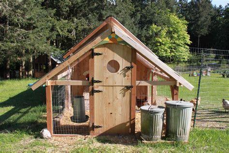Building Chicken Houses Design