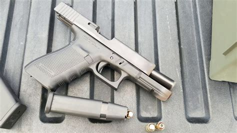 Glock-Question Can A Glock 20 Shoot 40 S&w.