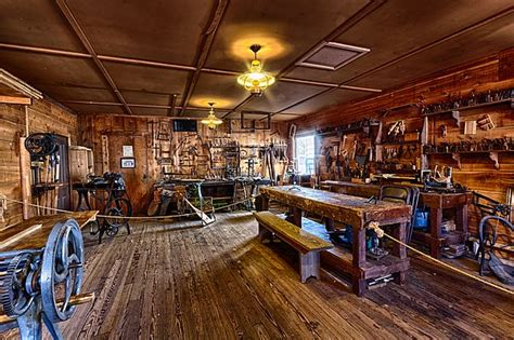 Carpenter Store