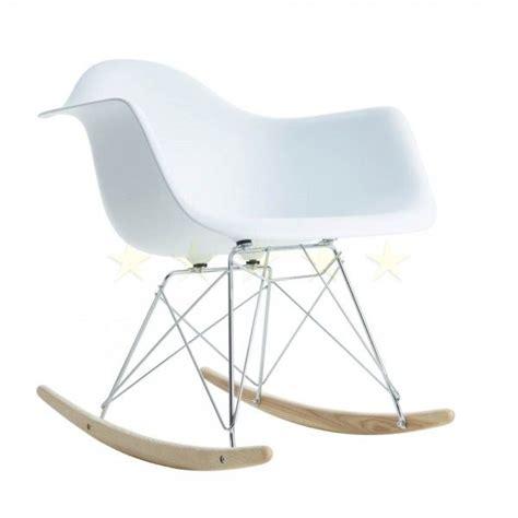 Charles Eames Schaukelstuhl
