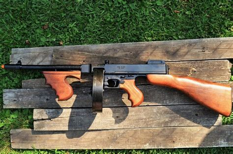 Tommy-Gun Cheap Replica Tommy Guns.