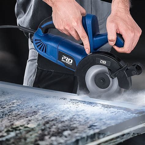 Circular Saw Cutting