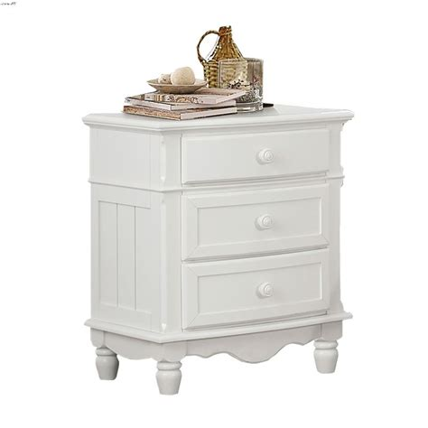 Clementina 3 Drawer Nightstand