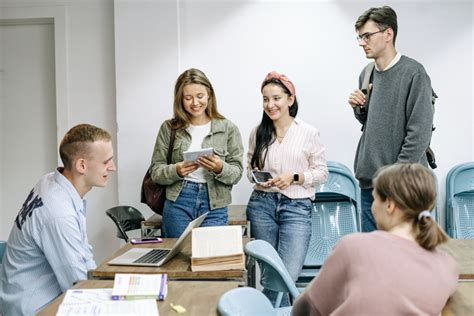 College Student Credit Cards In India Can Students Pay Off Their Loans Delinquency On College