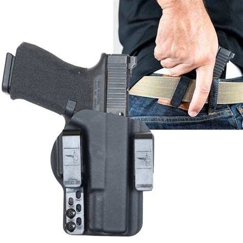 Glock-19 Concealing Glock 19 For Small Dudes.