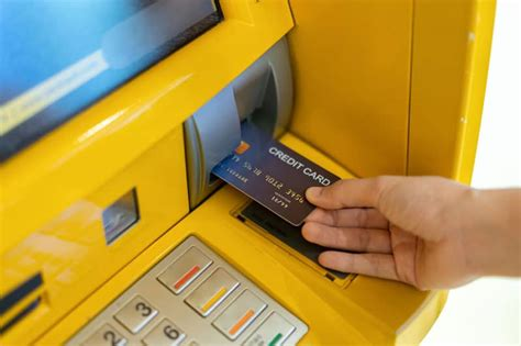 Credit Card Cash Back Atm Can You Withdraw Money From A Credit Card Heres How