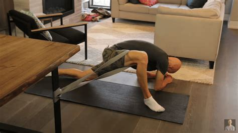 crossfit hip extension stretch assisted opening pocket
