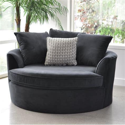 Cuddle Barrel Chair