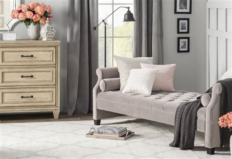 Deckard Upholstered Daybed