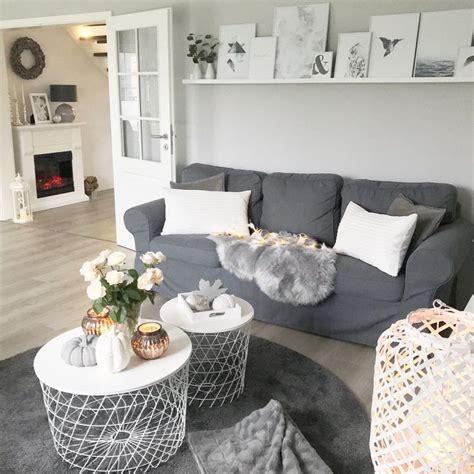 Dekoideen Wohnzimmer Grau Weiß