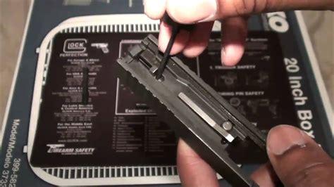 Glock-19 Detail Strip A Glock 19.