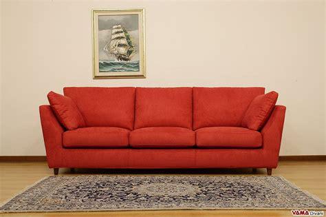 Divano Moderno Tessuto Rosso