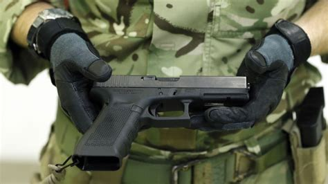 Glock-Question Do Most Poeple Use Glocks Or 1911.