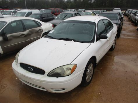 Taurus-Question Does A 2005 Ford Taurus Have A Mazda Engine.