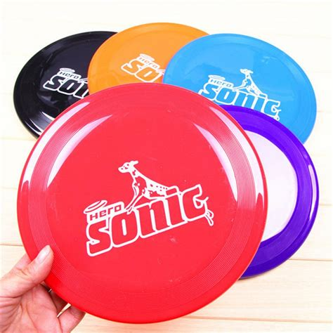 Dog Flying Disc Training