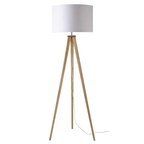 Dreibeinige Stehlampe
