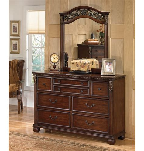 Dresser Design With Mirror