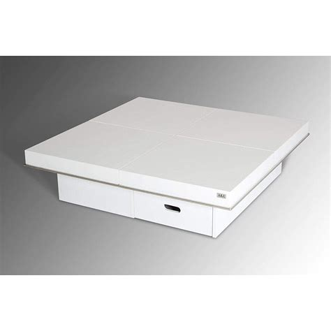Eisner Coffee Table