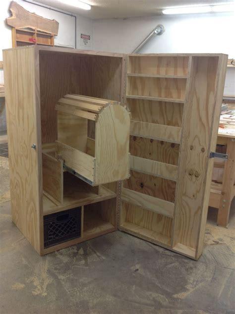 English Tack Locker Woodworking Plans