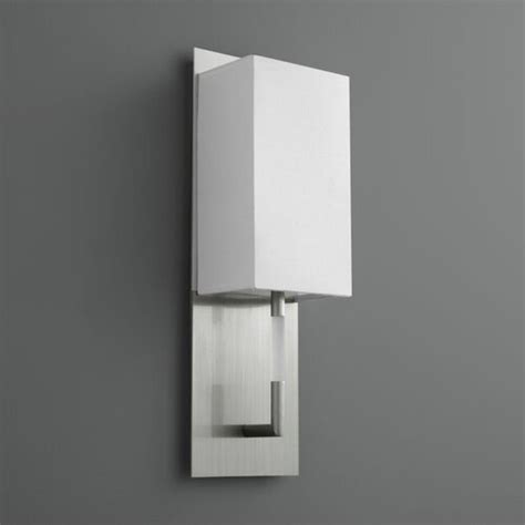 Epoch 1-Light Plug-In Flush Mount
