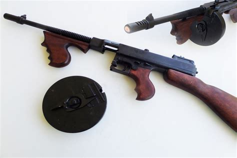 Tommy-Gun Fake Tommy Gun.