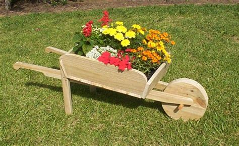 Garden Wheelbarrow Planter Plans
