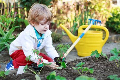 Gartenarbeit Mit Kindern