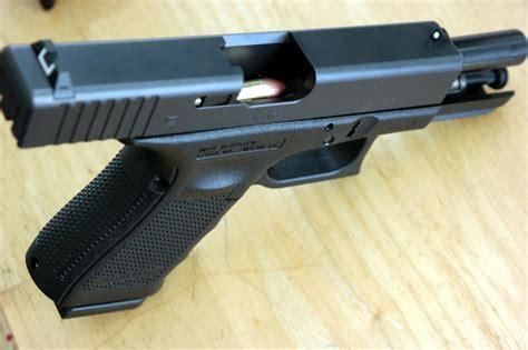 Glock-19 Glock 19 Chambers.