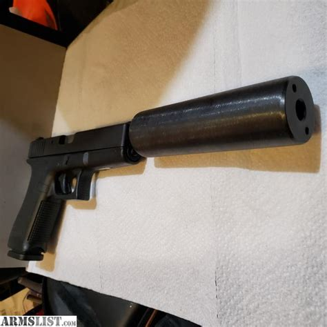 Glock-19 Glock 19 With Threaded Barrel And Flash Hider.