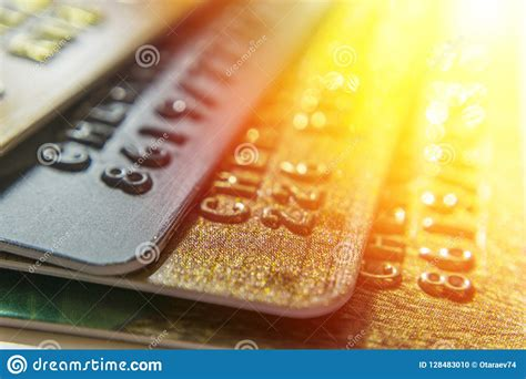 Gold Credit Card Deutsche Bank Lloyds Snaps Up Credit Card Firm Mbna For 19bn From Bank