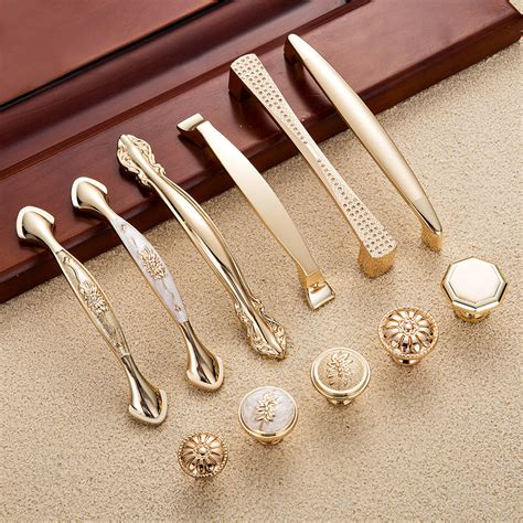 Hardware Handles And Knobs