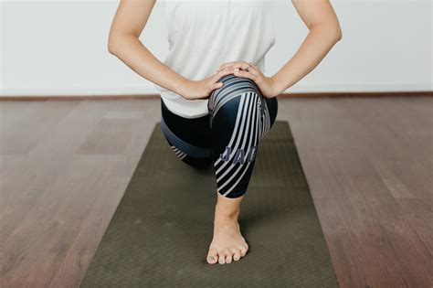 hip flexor exercises stretches pictures of dogs