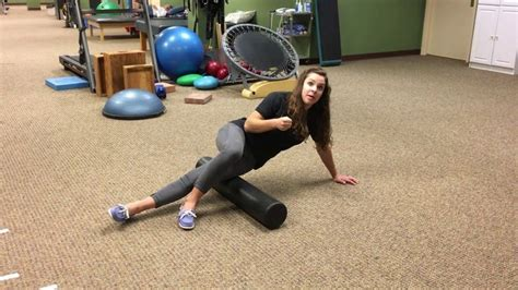 hip flexor stretches with foam roller youtube it band