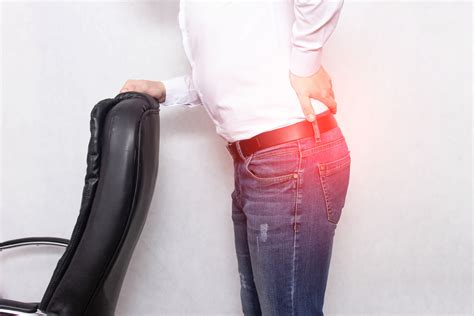 hip pain when standing up