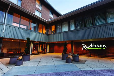Hotel Keys Credit Card Information Radisson Hotels Great Hotel Deals Rooms Services