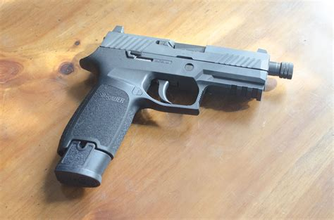 Sig-P320-Question How Many Rounds Does A Sig Sauer P320 Hold.