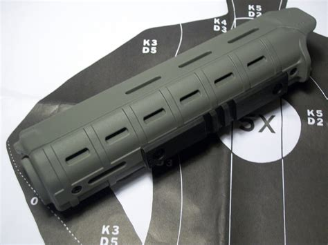 Magpul-Question How To Attach The Magpul Afg2 To A Magpul Handgruard.