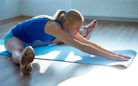 how to loosen hip flexor muscles tightening involuntarily meaning