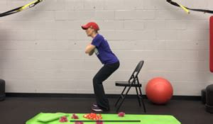how to perform kneeling hip flexor stretch with raised rib vs standing