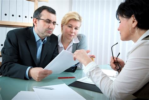 Cost Of Lawyer On Retainer How To Pick The Right Lawyer Investopedia