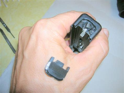 Glock-Question How To Revoce Glock Back Plate.