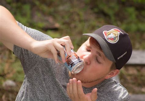 Shotgun-Question How To Shotgun A Beer.