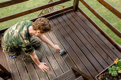 How To Stain And Seal A Deck