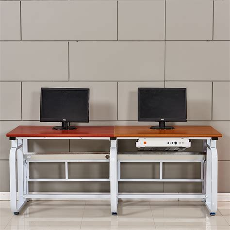 Internet Cafe Desk Design