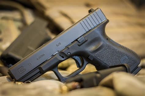 Glock-Question Is A Glock 19 A Compact.