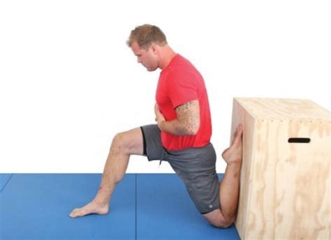 kelly starrett hip flexor stretch exercises with bands