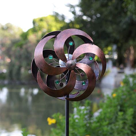 Kinetic Spinning Solar Wind Spinner