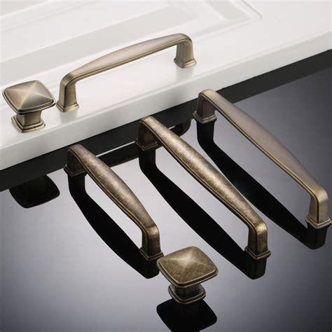 Kitchen Hardware Pulls And Knobs