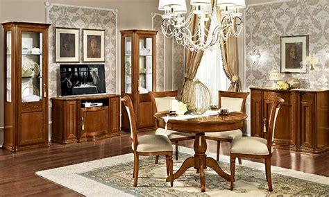 Klassische Möbel Aus Italien