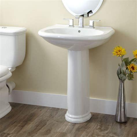 Kleines Standwaschbecken